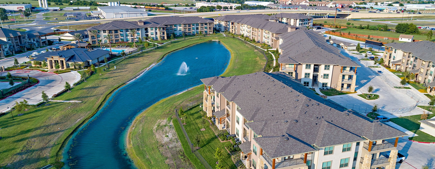 Lakeview Villas birds eye view of complex and pond